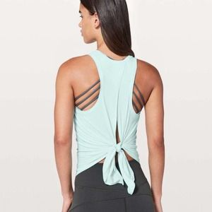 Lululemon All Tied Up Tank Frosty Green Blue Womens Size 6 Yoga Workout Running